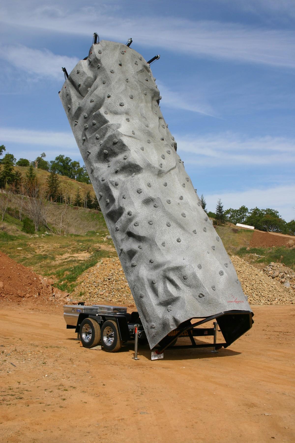 extreme-engineering-mobile-climbing-wall-hero-11.jpg