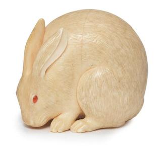 A small ivory netsuke of a hare by Kaigyokusai Masatsugu