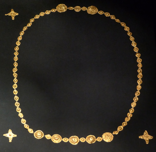 khm_wien_viib_105_-_vandalic_goldfoil_jewelry-_c._300_ad.jpg