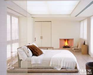 contemporary-bedroom-east-hampton-new-york-200502-2_1000-watermarked.jpg