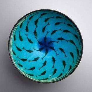 Bowl with fish, Iran, Kashan region, late 13th-14th century