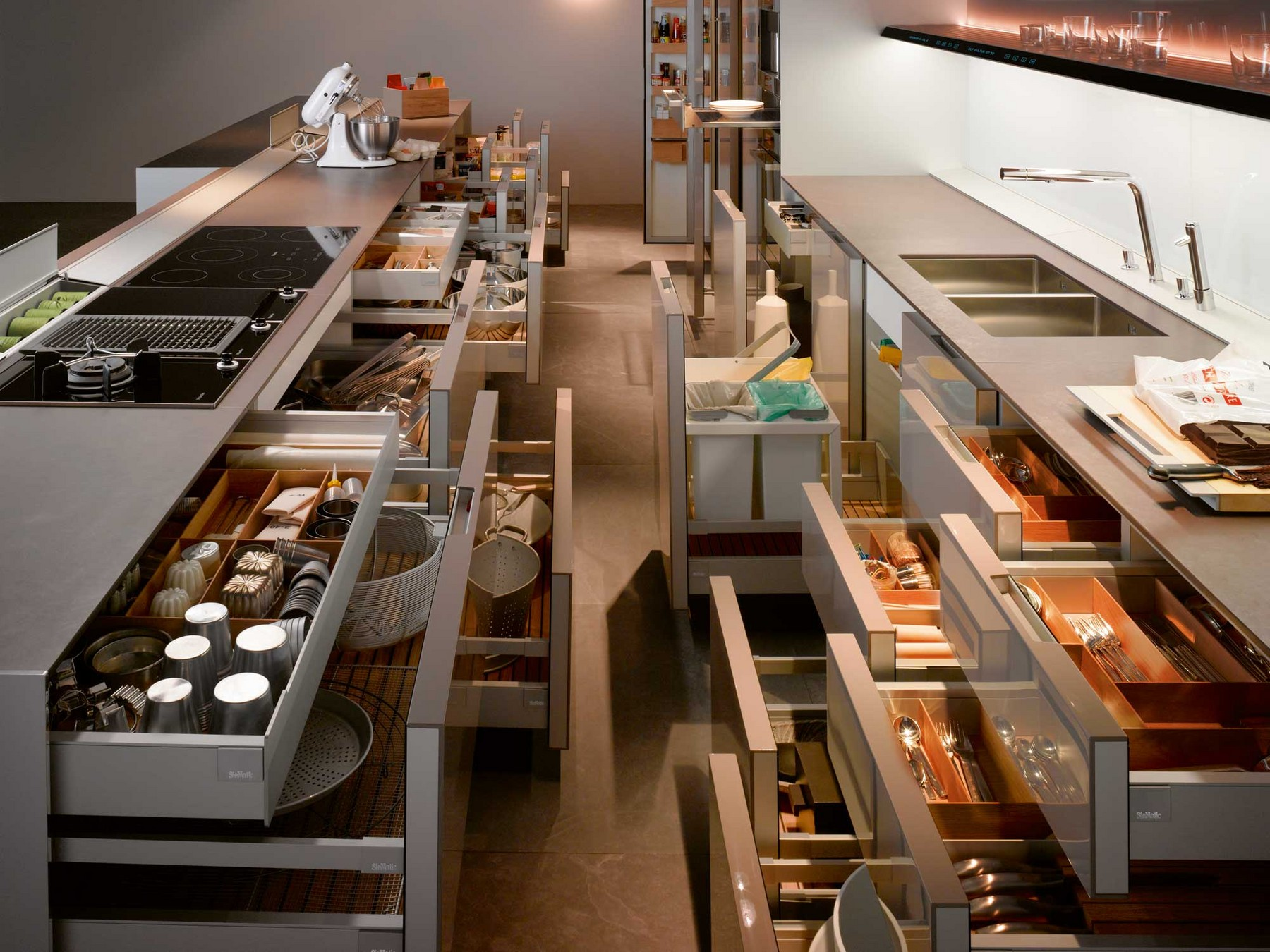 Kitchen by Martin Dettinger