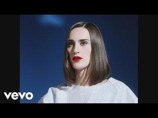 Yelle - Complètement fou (Official Video)