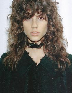 curly-hair-bangs-antonina-petkovic-pinterest.jpg