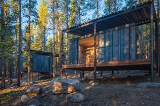 colorado-building-workshop-colorado-outward-bound-school-micro-cabins-designboom-01.jpg
