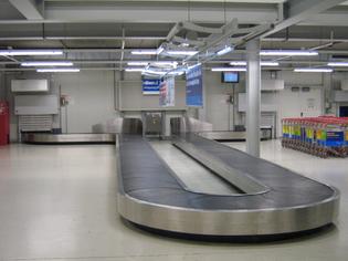 baggage_reclaim_hahn_airport.jpg