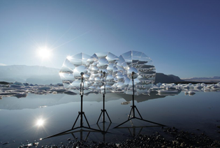 vincent-leroy-tests-his-new-optical-installation-lenscape-in-the-iceberg-lagoon-of-fjallsarlon-in-iceland-1-6130d73c8f126.jpg