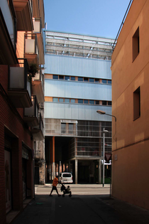 lacol-lluc-miralles-la-borda-cooperative-housing.jpg