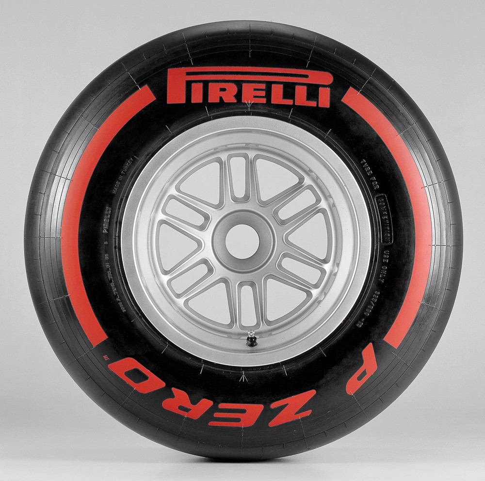 Pirelli_P_Zero_Supersoft-RED_032.jpg