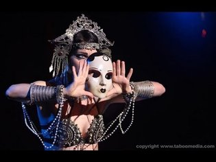Zoe Jakes Fusion Belly Dance performed at The Massive Spectacular! 2013 - YouTube