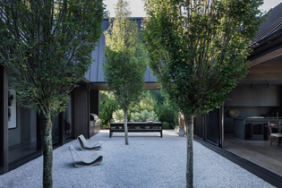ignant-architecture-adam-jordan-shagwong-residence-eric-petschek-012-min-2048x1365.jpg