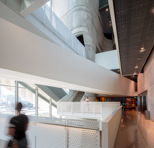 morphosis-architects-thom-mayne-aaron-dougherty-perot-museum-of-nature-and-science.jpg