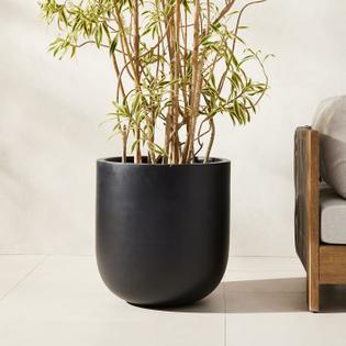 radius-indoor-outdoor-planters-2-o.jpeg