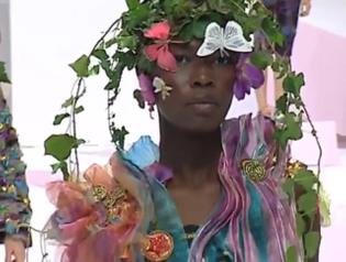 Caroline Bwonobo @ Issey Miyake Spring/Summer 2002