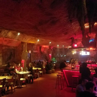 La-Caverna.jpg