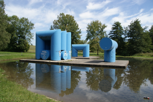 Friedrich_Gra-sel_-_Ro-hrenplastiken_-_Hockgraben_Universita-t_Konstanz.JPG