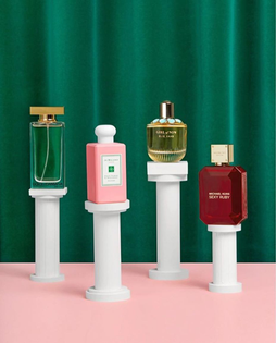 Perfume art gallery for @eveningstandardmagazine ✨🍦 @k_hug @lilyworcester 🍏