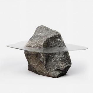Île, sculpture of glass & stone by Illis Art co-founder @smmalmqvist