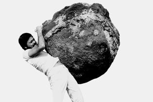 Arthur Omar Triste Trópico 1974 film still.fpg