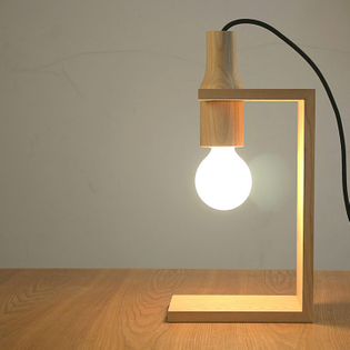 1901e16a31e54f950e63995fdc756b13-wooden-table-lamps-wooden-lamps-diy.jpg
