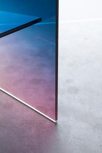 Ombr-Glass-Chair-detail-3_1200.jpg