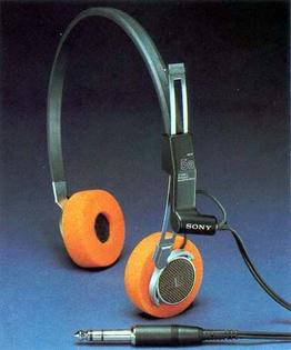 df520d723799ccb2448a507717188fc1-headphones-sony.jpg