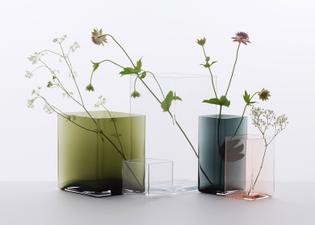 Ruutu-vases-by-Bouroullec-brothers-for-Iittala_dezeen_784_2.jpg
