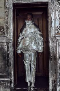 mm6-maison-margiela-london-fashion-week_dezeen_2364_col_14-852x1291.jpg