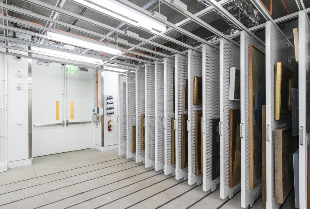 fine-art-museum-storage-on-mobile-art-storage-racks-1024x690.jpg