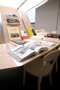 05.Autobiographies_photo_Pauline_Guyon_Louis_Vuitton_5.jpg