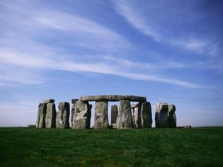 windows-xp-desktop-background-wallpaper-stonehenge-800x600.jpg