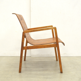 rare-early-403-hallway-chair-by-alvar-aalto-from-the-aurora-hospital-in-finland.jpg
