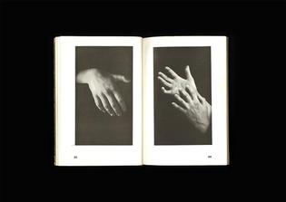 Hände und was sie sagen, 64 Bilder eingeleitet und erläutert von Adolf Koelsch, 1929, CH