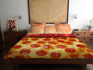 178_19-Geek-Chic-Bed-Spreads-Comforters-and-Duvet-Covers_0-f.jpg