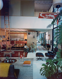06.-an-eames-celebration.-charles-and-ray-in-the-living-room-of-the-eames-house-1958.jpg