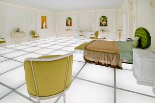 2001-bedroom-replica-01.jpg
