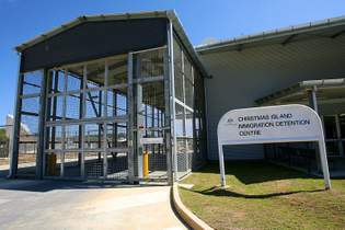800px-Christmas_Island_Immigration_Detention_Centre_-5424306236-.jpg