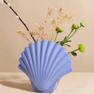 shell vase from los objetos
