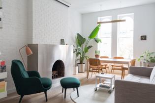 west-chelsea-apartment-bond-interiors-renovation-new-york-city-usa_dezeen_2364_col_15-1704x1136.jpg