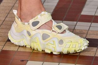 https-hypebeast.com-image-2018-07-acne-studios-spring-summer-2019-footwear-002.jpg?w=850