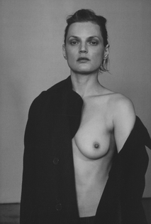 dries_van_noten_photography_collier_schorr_styling_katie_shillingford_another_magazine_vol_2_issue_6_aw_2017_9.jpg