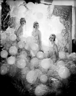 cecil_beaton_soapsuds.jpg
