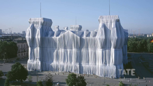 the-reichstag-in-berlin-in-1995-wrapped-in-polypropylene-fabric-by-christo-and-jeanne-claude.jpg