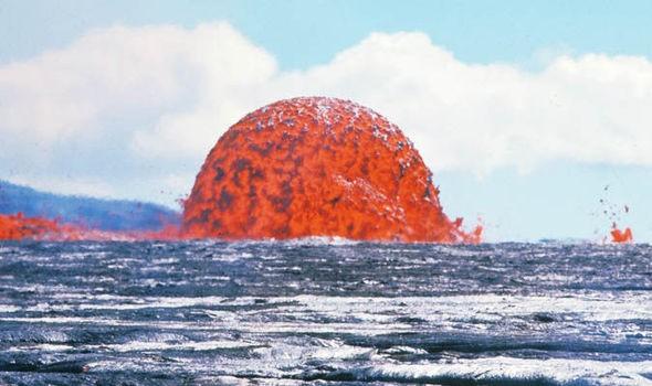 hawaii-volcano-kilauea-eruption-lava-dome-942438.jpg