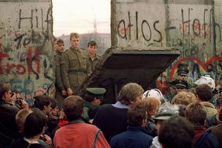 berlin-wall-fall-25th-anniversary.jpg