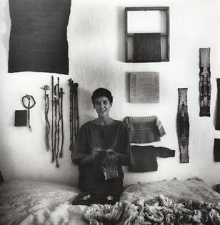 Sheila Hicks, 1960-61