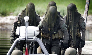 danish-special-forces-frogmen-e1439791868905.jpg
