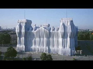 Christo and Jeanne-Claude Wrap Up the Reichstag   Lost Art