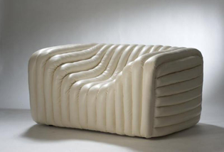 bubble-collection-sofas-armchairs-stools-poufs-chaise-longues-loungers-daybeds-from-versace-home-10.jpg