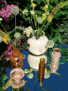 2018_tivoli_bazaar_vase_group_balloon_vase_small_caramel_tuba_bowl_golden_khaki_01.jpg